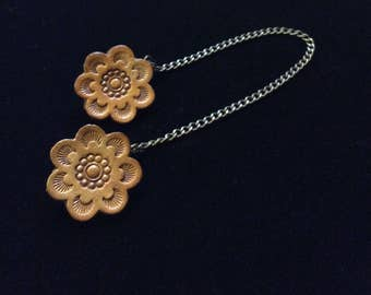 Vintage Leather Collar Clips- Leather Flower Clips With Chain- Leather Sweater Clips- Flower Collar Clips