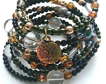 Wrap bracelet, beaded bracelet, boho bracelet, dark bracelet, green bracelet, beaded bracelet, bracelet with pendant, bohemian, original