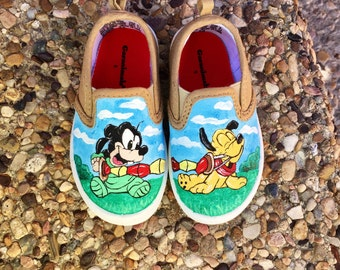 Disney painted baby shoes - pluto and goofy