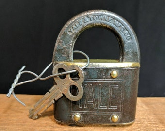 Vintage Brass and Iron Yale & Town MFG. Co Working Lock with Key
