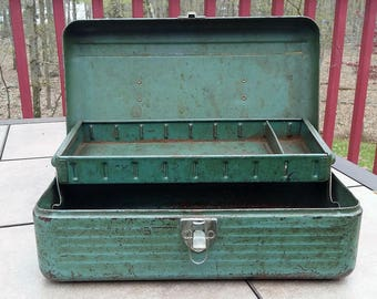 Simonsen seamless green metal tackle box vintage fishing gear cabin rustic decor all original,tool box,teal,inside tray,Father's Day gift