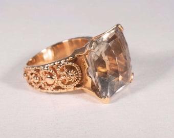 14K Yellow Gold Light Brown/Smoky Topaz Ring, size 5