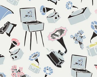 Art Gallery Fabrics - Pastel Thrift- Gramoflora Lullabie