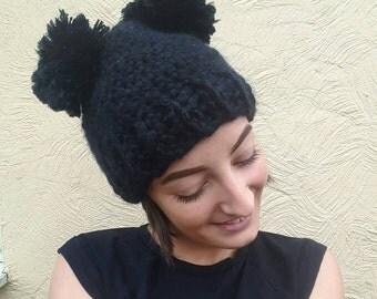 Crochet double pompom hat / black beanie hat / crochet beanie hat / double pom hat / giant pompom hat / black winter hat / winter woolly hat