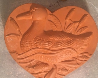 Vintage 1983 terra-cotta heart shape duck Jell-O mode Buy action industries made in Japan