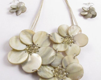 Pearl Colored Flower Necklace and Earrings
