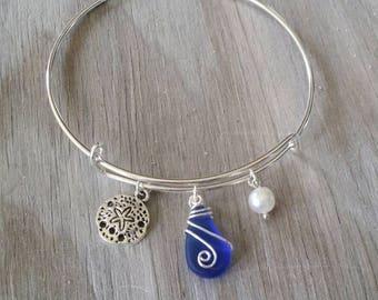 Handmade in Hawaii, wire wrapped cobalt blue sea glass bracelet, Sea glass jewelry, Sand dollar charm, Fresh water pearl, Hawaiian jewelry.