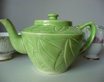 Vintage Art Deco Green Teapot Original Item from the 1920's 30's