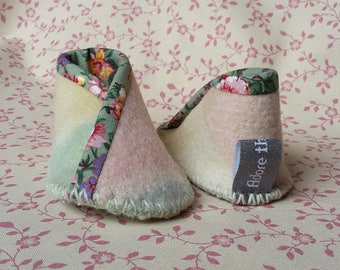 Adore the Cloth: Woolen booties - Newborn to 6 months