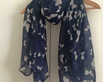 Beautiful butterfly scarf navy blue/white