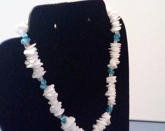Shell chip necklace with blue beads