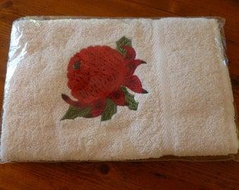 Vintage Waratah Embroidered Hand Towel, Kitchen or Bathroom Hand Towel, Christmas Gift, Kitchen Decor, Vintage Unused, Australian Made