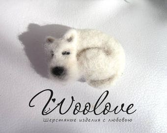 Felted doggie/sleeping doggie/brooch doggie/wool jewellery