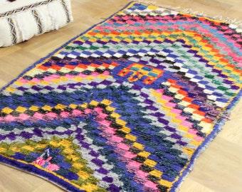 Boucherouite carpet atlasboucherouite Moroccan berber carpet rug Moroccan tapis handgenüpft stains carpet from Morocco oriental rug