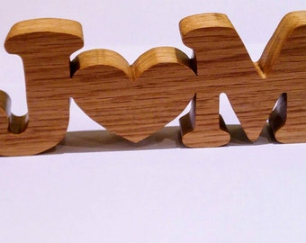 5th wedding anniversary personalized with your initials. Wooden initials and heart. Ideal valentines gift birthday gift, anniversaries.