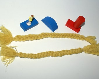 Lot of 2 braids of yarn for doll hair