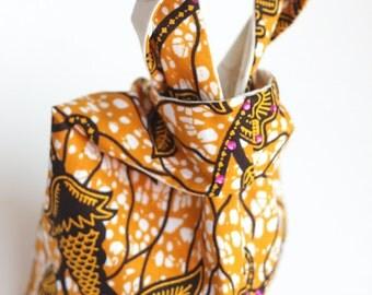 Ankara Print Knot Clutch, Small Knot Wristlet, Small Anakara Knot Bag, Small African Purse, Bridesmaid Bag, Japanese Knot Bag