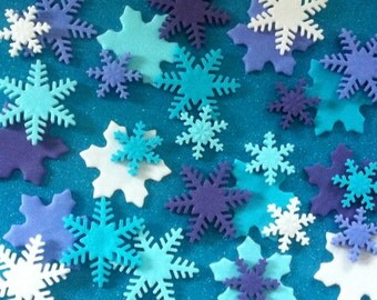 24 edible FROZEN INSPIRED snowflake cupake toppers. Christmas cake decorations. Girls birthday party. Snowflakes