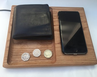 QI wireless phone charging station / Valet tray / Solid Oak / Man tray / Tidy / Bedside table / Office tidy / Coin tidy / Organiser