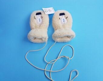 kids gloves//baby mittens//toddler mittens// thumberless baby mittens//kids mittens on a string//winter mittens