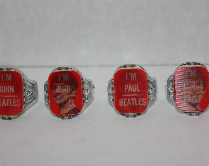 The Beatles Set of 4 Flicker Flasher Plastic Silver Rings 1964 Vintage