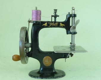Pfaff Toy Sewing Machine Modelled on Singer 20 Childs Miniature Vintage Chain Stitch