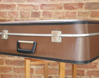 Deep Brown Vintage Suitcase in Great Condition