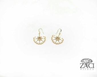 White Pearl Studs earrings swarovski earrings/\//orecchini beads/orecchini lobe earrings shine