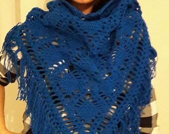 Royaalblauw shawl in pineapple pattern!