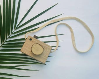 Natural wooden camera with strap. Wooden toy.Made from fallen trees and sustainable tasmanian oak. Waldorf/steiner wooden toy children game