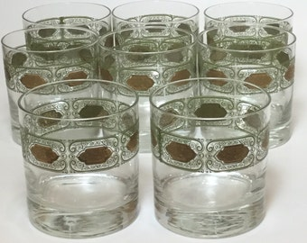 Set Of 8 Mid Century Lowball Old Fashioned Drinking Glasses With Green And Gold Decorative Band