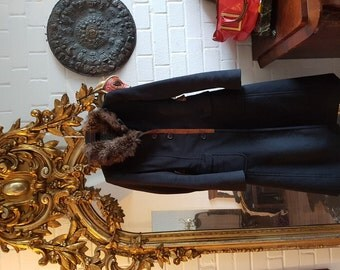Prada Kashmere Coat with Fur collar and snake aplicationen Size 36 blackk