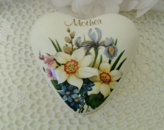 Mother trinket  box with spring floral pattern, Fenton Heart shape Bone china jewelry box, England  1960's