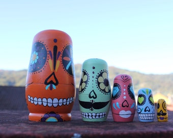 Matrioska Calavera Colors. Russian doll, hand painted. Home decoration. Toy. Present. 5 pieces. Matryoshka, Babushka.