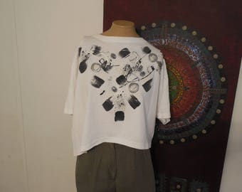 Vintage Abstract Oversized Cropped T-Shirt with 3D Applique Designs / Vintage Geometric Shirt / Off The Shoulder / Tooso