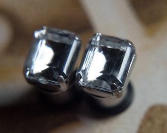 Pretty ear plugs with crystal clear gems, 4g - 5mm, 2g - 6mm, 0g -8mm