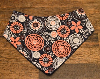 ON SALE! ROXIE: Navy Blue, Peach, and White Metal Snap Bandana