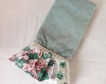 Vintage Fieldcrest Royal Velvet Green and Floral Ruffled Hand Towel
