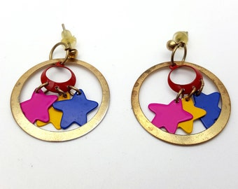 Very 90s Multicolored Stars and Hoop Dangle Earrings Vintage Lightweight Gold Tone Metal and Painted Stars Summer Night Sky Party Outfit