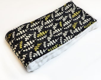 Black and Gold floral Burp Cloth - Cloth Diaper Burp Cloth - Baby Essential - Baby Shower Gift