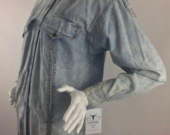 Vintage Liz Claiborne-Liz Wear Stone-Washed Denim Shirt/Size Small, Medium, Large