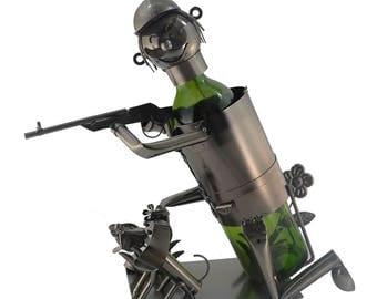 Metal Happy Kneeling Hunter with Dog nd flowers Wine Bottle Holder character