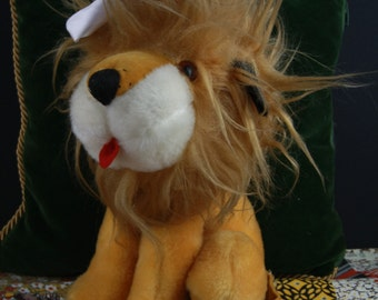 Retro 70s stuffed lion toy