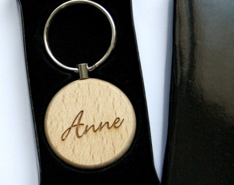 Custom Keyring, personalized keychain, customized gift name engraved, wood rond shape, housewarming birthday unique present, for her and him