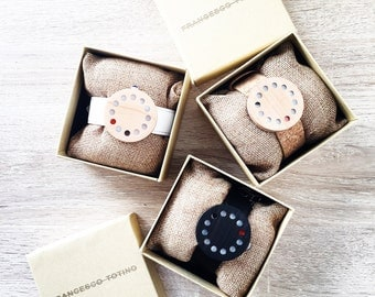 Modern , wooden watch ! 3 colours available