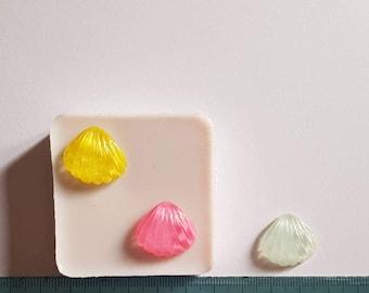Flexible silicone mold 2 shells!