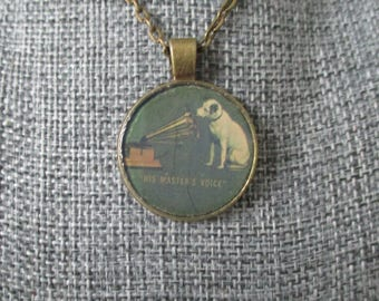 Recycled vinyl record sleeve necklace - vintage RCA label!