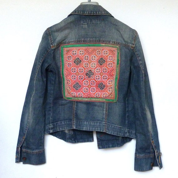 miss sixty veste en jean brod avec des tissus de thai hill. Black Bedroom Furniture Sets. Home Design Ideas