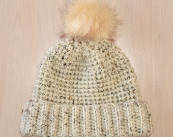 Winter hat for women with pompon