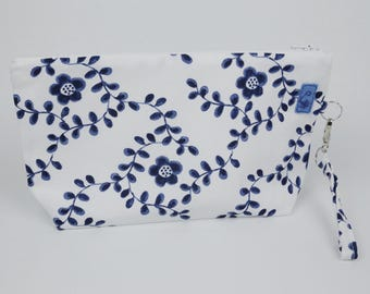 Washbag large flowers blue, multi-purpose bag, bag canvas, travel bag, Guardacosmeticos